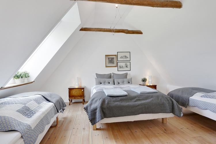 Ferielejlighed på første sal soveværelse til 4 personer.jpg