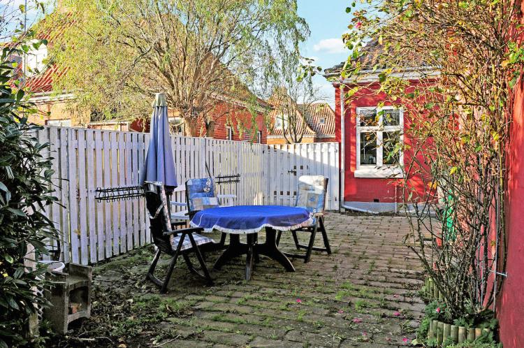 Terrasse med havemøbler til fri benyttelse.JPG