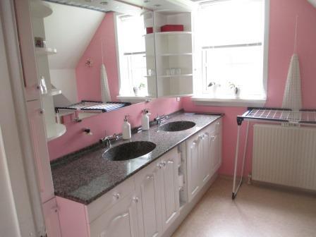 badeværelse ovenpå.jpg
